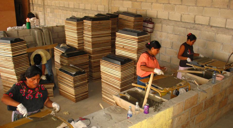 Creación e impulso de la COOPERATIVA B'ELJUJ Q'ANIL de fabricación de materiales de construcción