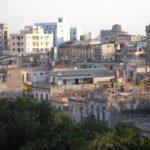 """Rehabilitación de 20 """"ciudadelas"""" en El Cerro, La Habana."""