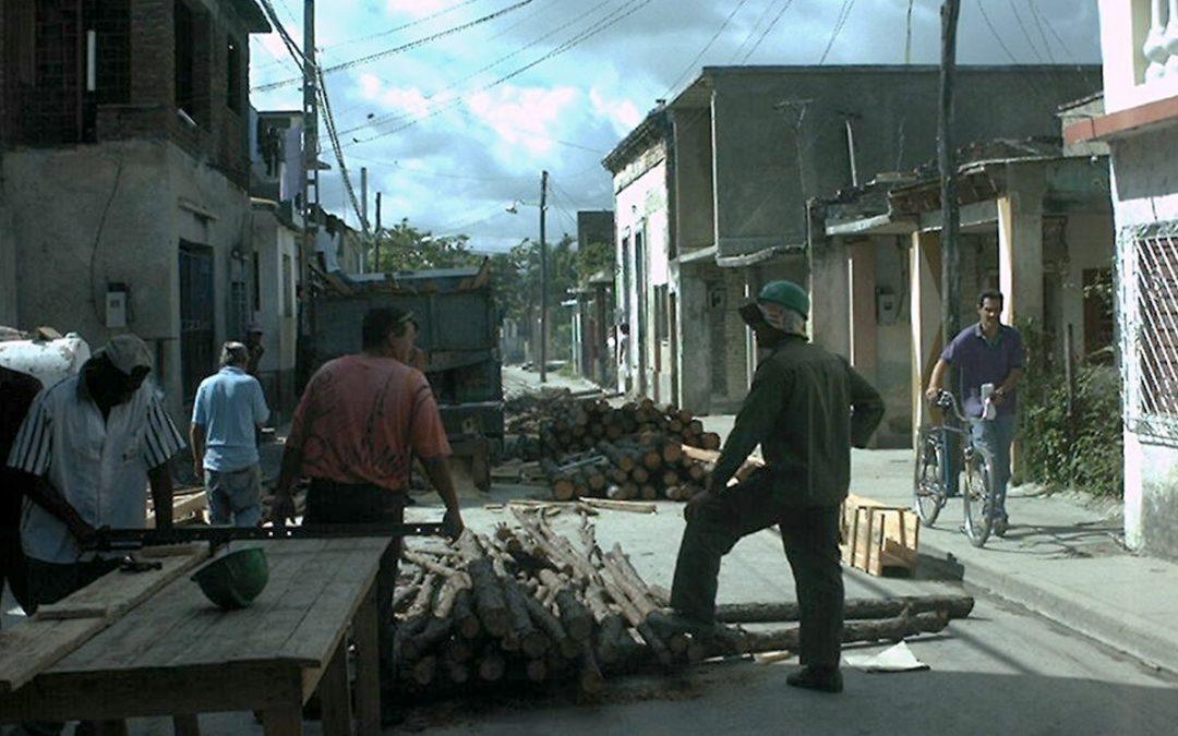 """Rehabilitación de """"Cuarterías"""" en Holguín"""