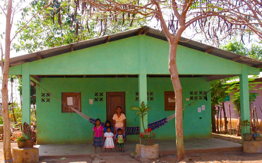Proyecto de AUTOCONSTRUCCIÓN de VIVIENDAS en tierras recuperadas por la comunidad indígena y campesina de Victorias 3