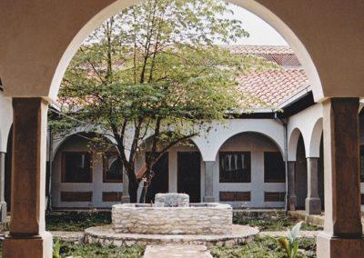 Construcción del CENTRO NUTRICIONAL Santa Luisa para la recuperación de niños desnutridos y educación nutricional